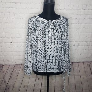 Jessica Simpson Gray White Aztec Print Peasant Top